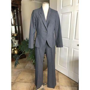 the limited Classic Blazer & Pant Suit 8